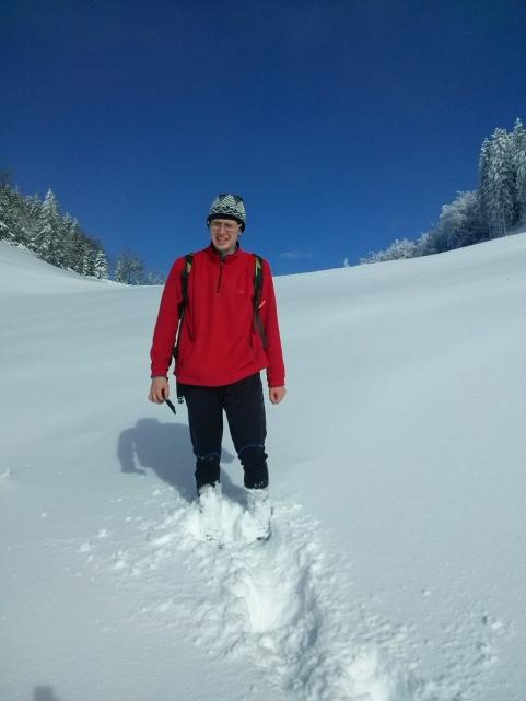Ponekod se je sneg prediral do kolen
