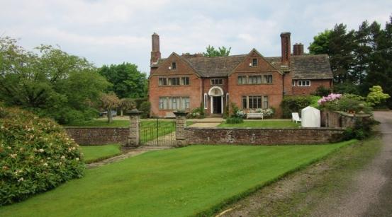 Podeželska hiša s posestvom iz katerega me je pregnal lord