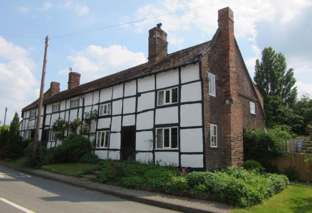 Podeželska hiša v vasi Goostrey v bližini teleskopov