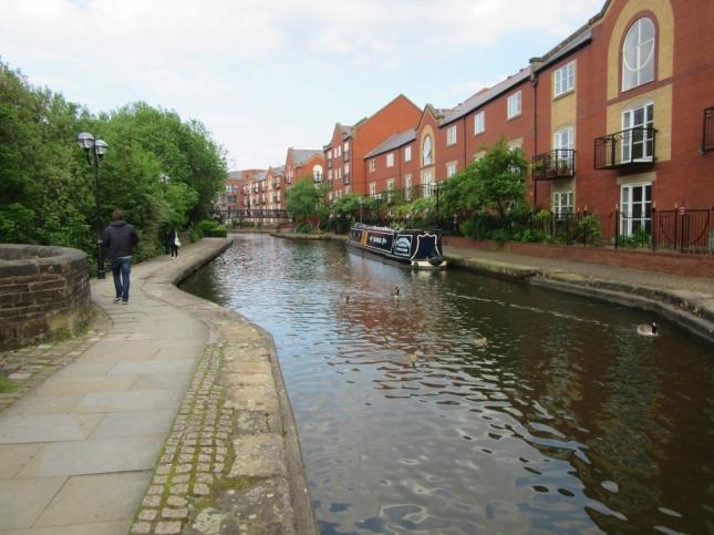 Kanali so razpredeni po celem mestru