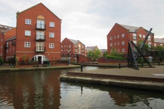 Kanali za rečni transport in pa rdeča opeka sta glavni značilnosti Manchestra