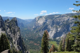 El Capitan iz smeri Glacier pointa