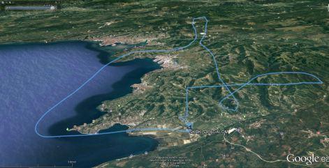 GPS sledi leta z avijonom: navpična črta je sled prostega pada