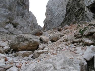 Podrta grapa pod Škrbino PRednje Špranje
