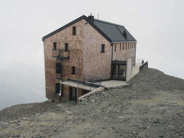 Hannoverhaus (2565 m)