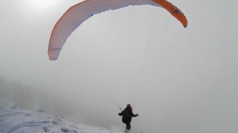 Padalec vzleta na Bašeljskem sedlu