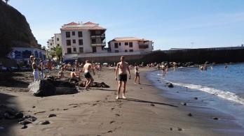 Plaža pod klifi