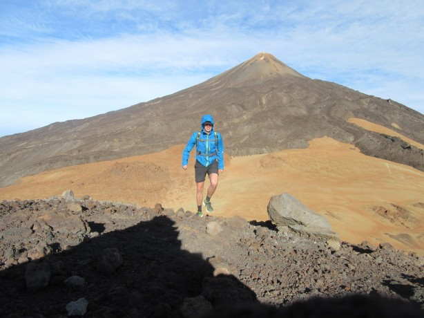 Na vrhu Pico Viejo (3135 m) s Teide v ozadju