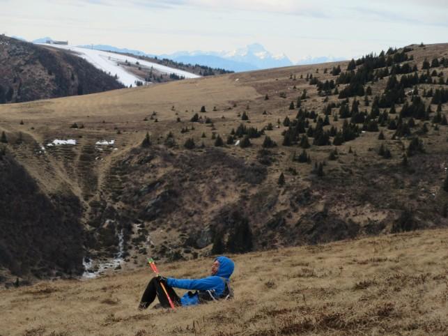 Uživanje v objemu mehkih gorskih trav