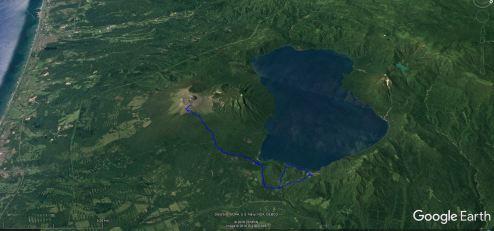 Jezero Shikotsu, levo Pacifiški ocean