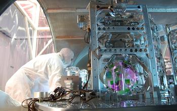 Del zrcala v LIGO (Vir: LIGO)