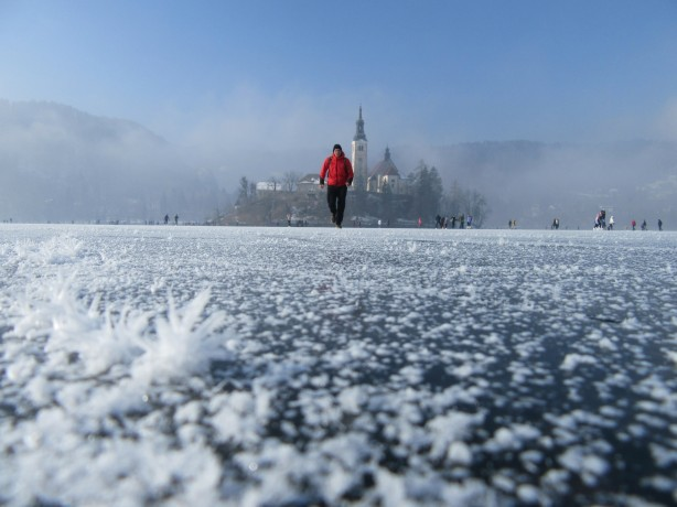 zamrznjeno-blejsko-jezero-202