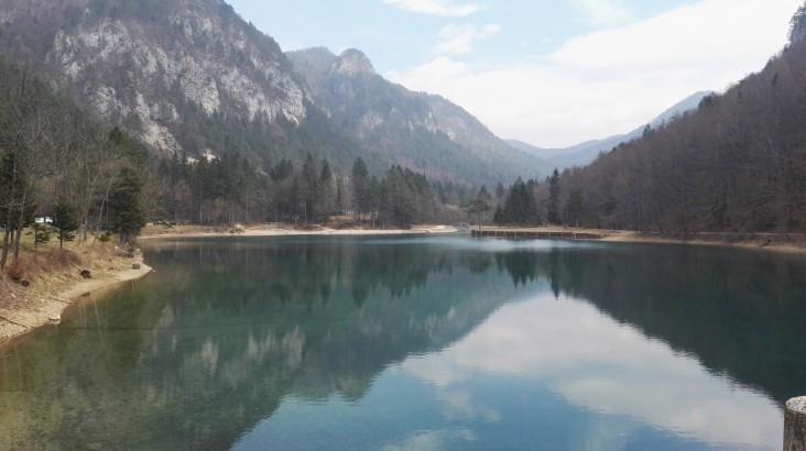 Jezero v Završnici