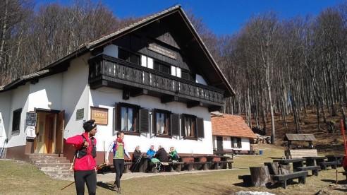 Dom na Čemšeniški planini