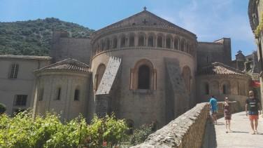 Samostan v vasi