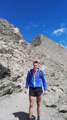 Vršna piramida gore