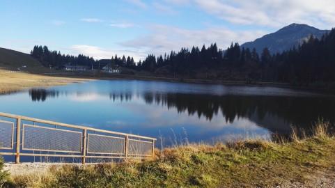 Jezero na prelazu Nassfeld