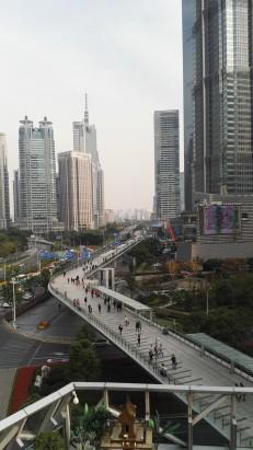 Most za pešce na aveniji Century avenue