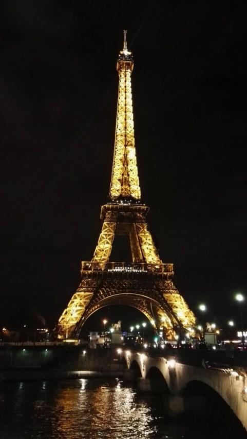 Eifflov stolp ponoči