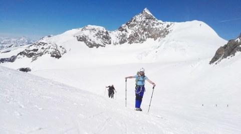 Lyskamm (4527 m) v ozadju