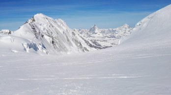 Matterhorn od daleč