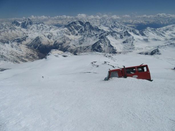 Zasut ratrak na višini 4950 m