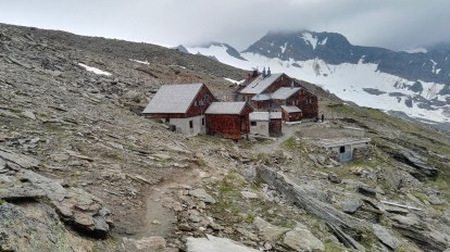Defreggerhaus (2963 m)