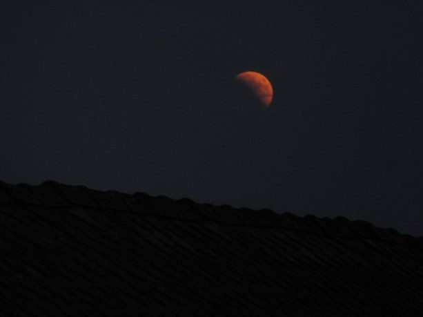 Luna vzhaja