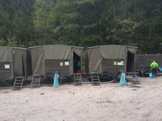 Vojaški mobilni tuši