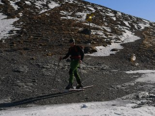 Par metrov brez snega