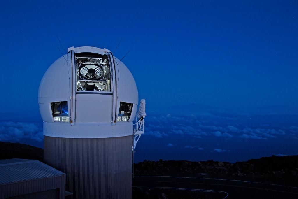 Teleskope, kot je ta 1,8 metrski Pan-STARRS1 na Havajih, uporabljajo za iskanje blizuzemeljskih asteroidov (foto: NASA)
