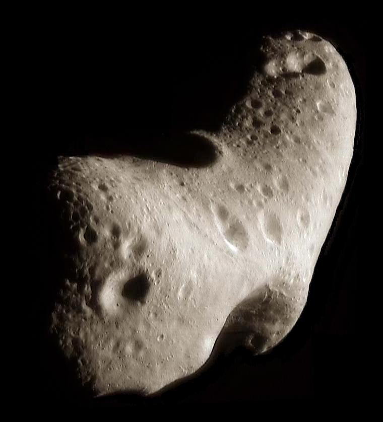 Asteroid 433 Eros je predstavnik S-asteroidov, ki naj bi bili izvor meteoritom navadnim hondritom (foto: NASA/JPL/JHUAPL - http://photojournal.jpl.nasa.gov/catalog/PIA02923)