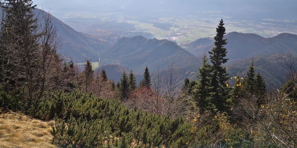 Pogled na prehojen greben iz Robleka