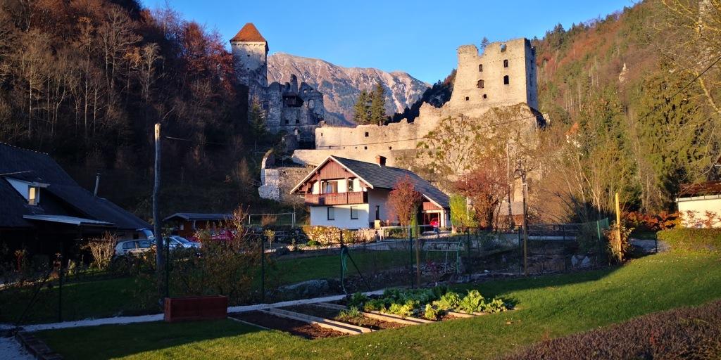 Grad Kamen je izhodišče za turo